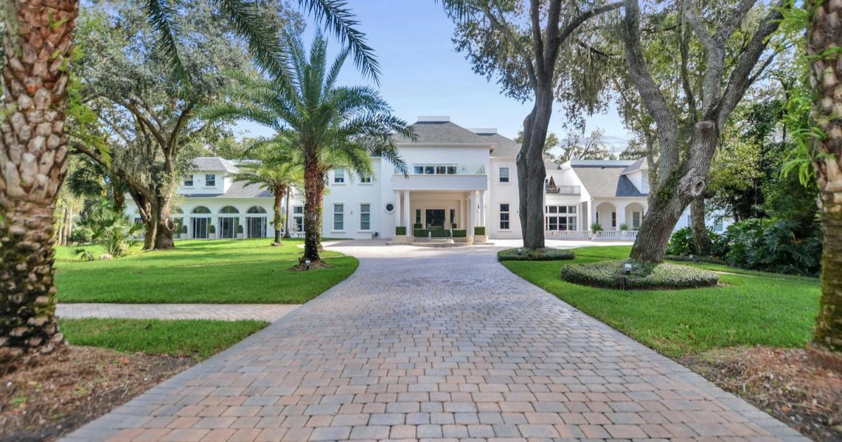 Hot Property: Baseball great Roberto Alomar sells Florida mansion