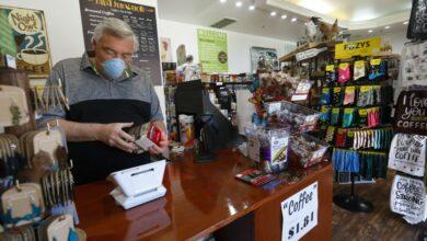 Photo of Coronavirus: California allows more retail stores to reopen