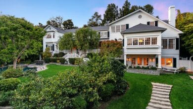 Photo of Hot Property: Ashton Kutcher and Mila Kunis are listed as homes