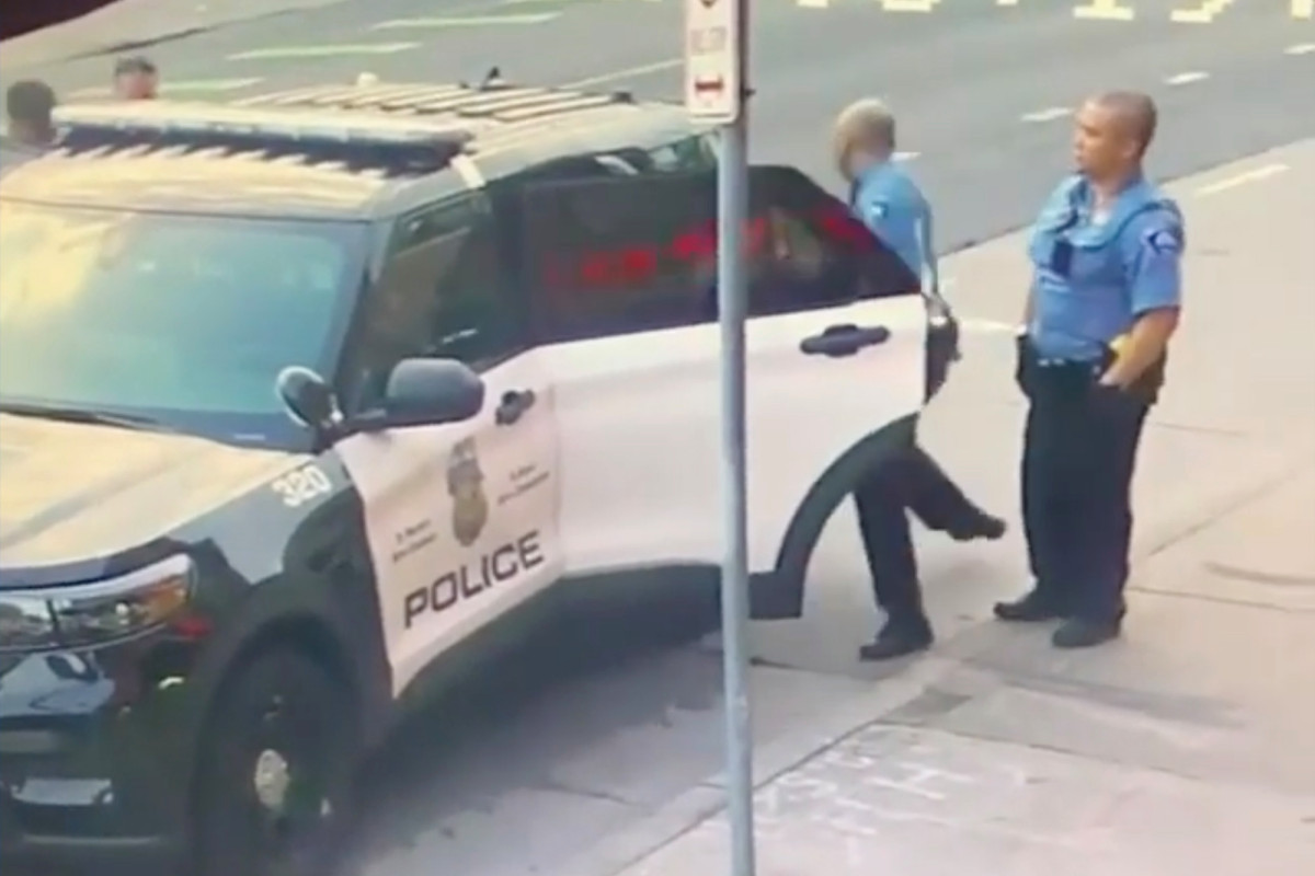 The video appears to show the police, George Floyd struggling amid arrest