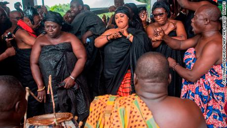 Ghana's luxury burial can last up to seven days. Now, centuries-old tradition is online