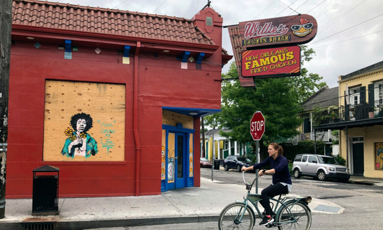 Dine-in service resumed in New Orleans when coronavirus locking was reduced