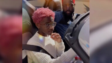 Photo of Dwyane Wade debuts red hair transformation with Zaya's daughter