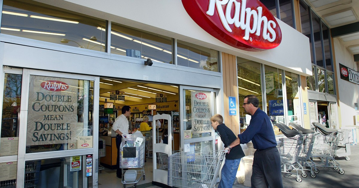 Ralphs offered a new 'thank you' bonus after the union protest