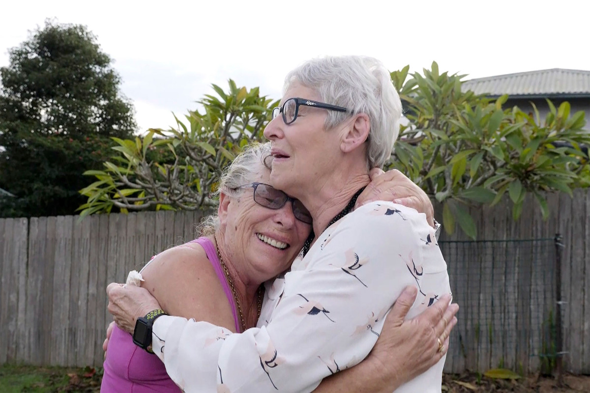 Women reunite with dying sisters after Australia lifted travel bans