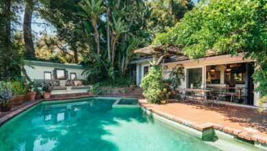 Photo of Property Heat: Stockard Channing lists Lauren Canyon homes