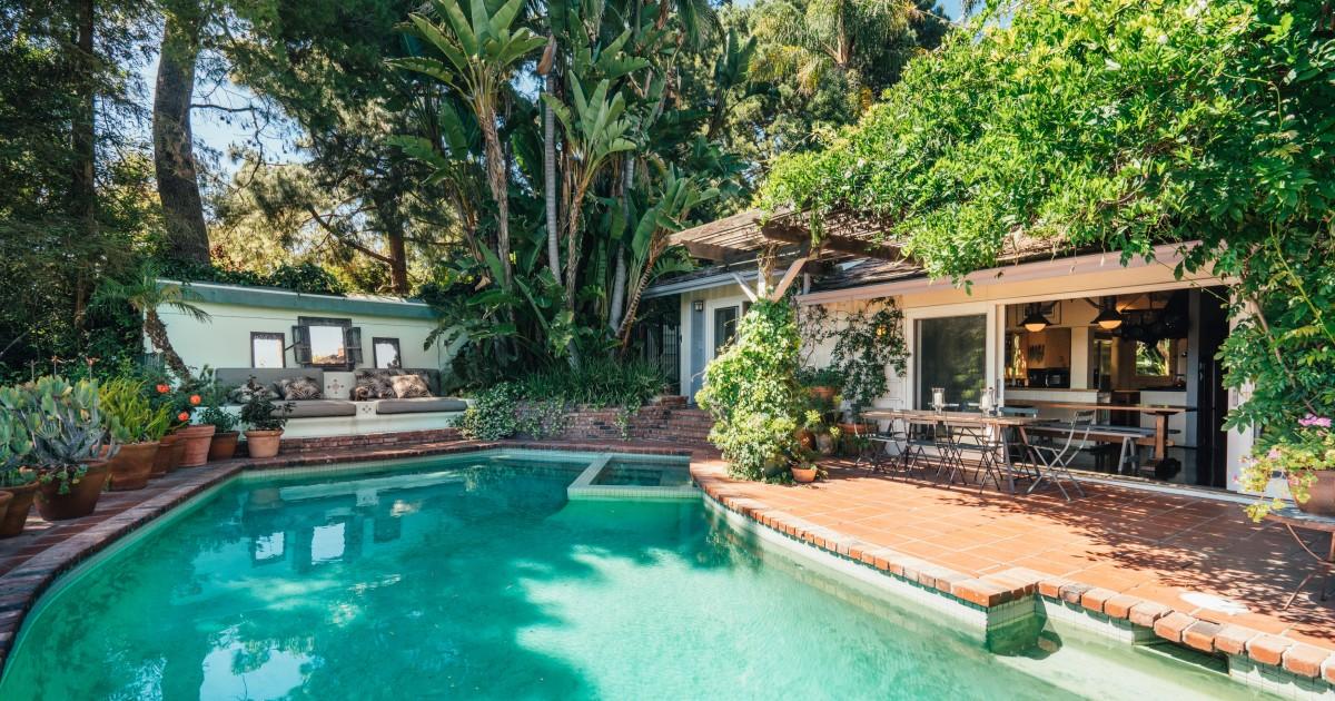 Property Heat: Stockard Channing lists Lauren Canyon homes