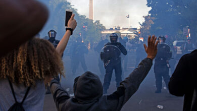 "Photo of Trump declared ""dominance"" in DC after federal law enforcement tore up peaceful protestors"