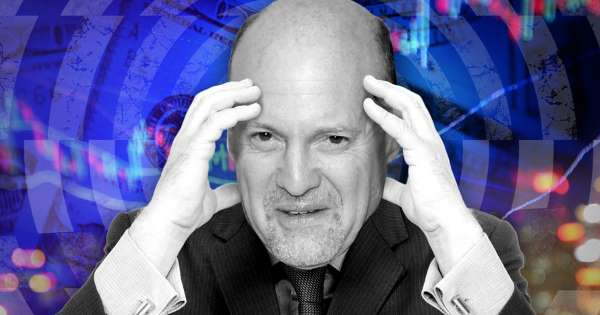 'Clueless' investors just keep driving this 'stupidly bullish' stock market higher, CNBC's Jim Cramer says