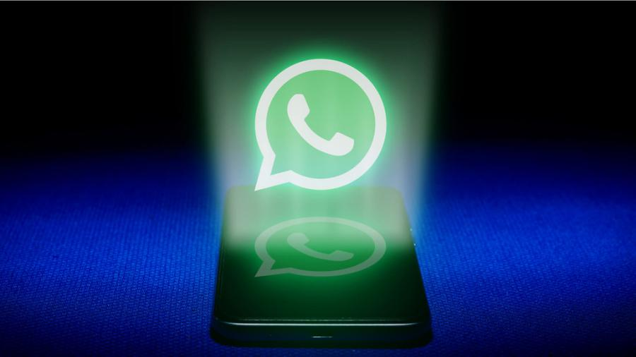 WhatsApp is preparing a feature that decrypts voice messages