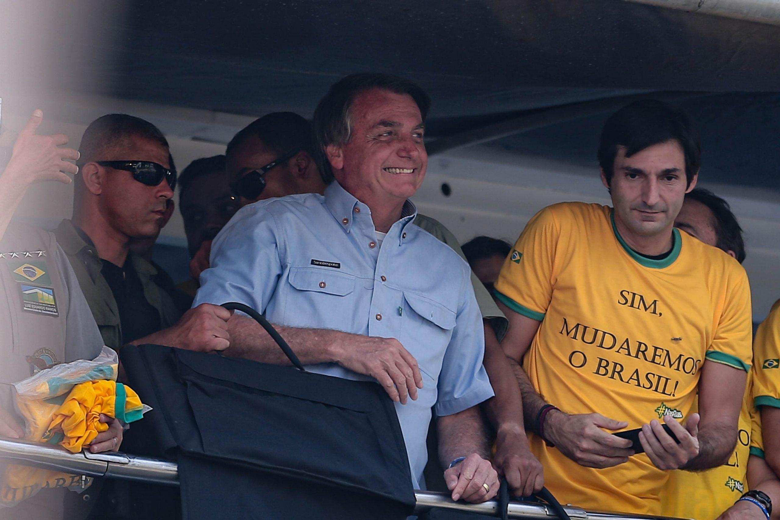 Jair Bolsonaro (sem partido) durante manifestação na Avenida Paulista na cidade de São Paulo, nesta terça-feira (07).