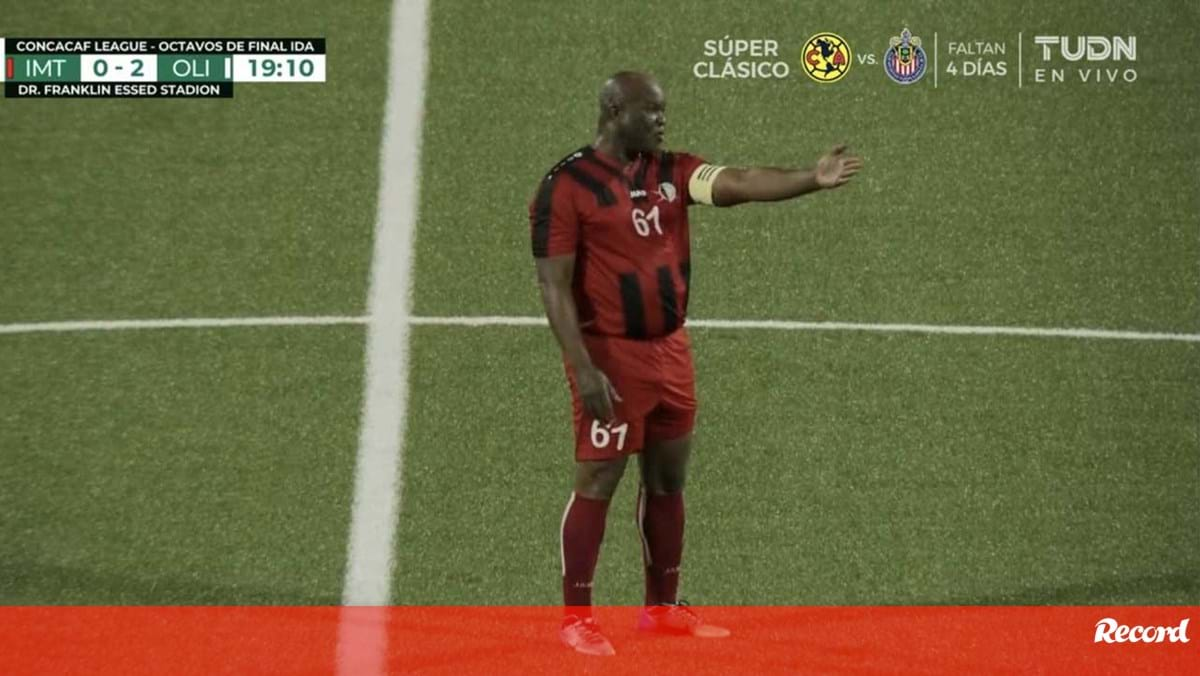 Incredible: The Vice President of Suriname is 60 years old and has started the official game CONCACAF - International