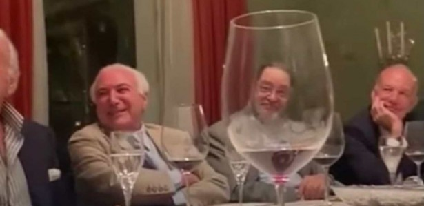 """Joyce Hasselmann releases video in which Temer and other politicians ridicule Bolsonara: """"court jester"""""""