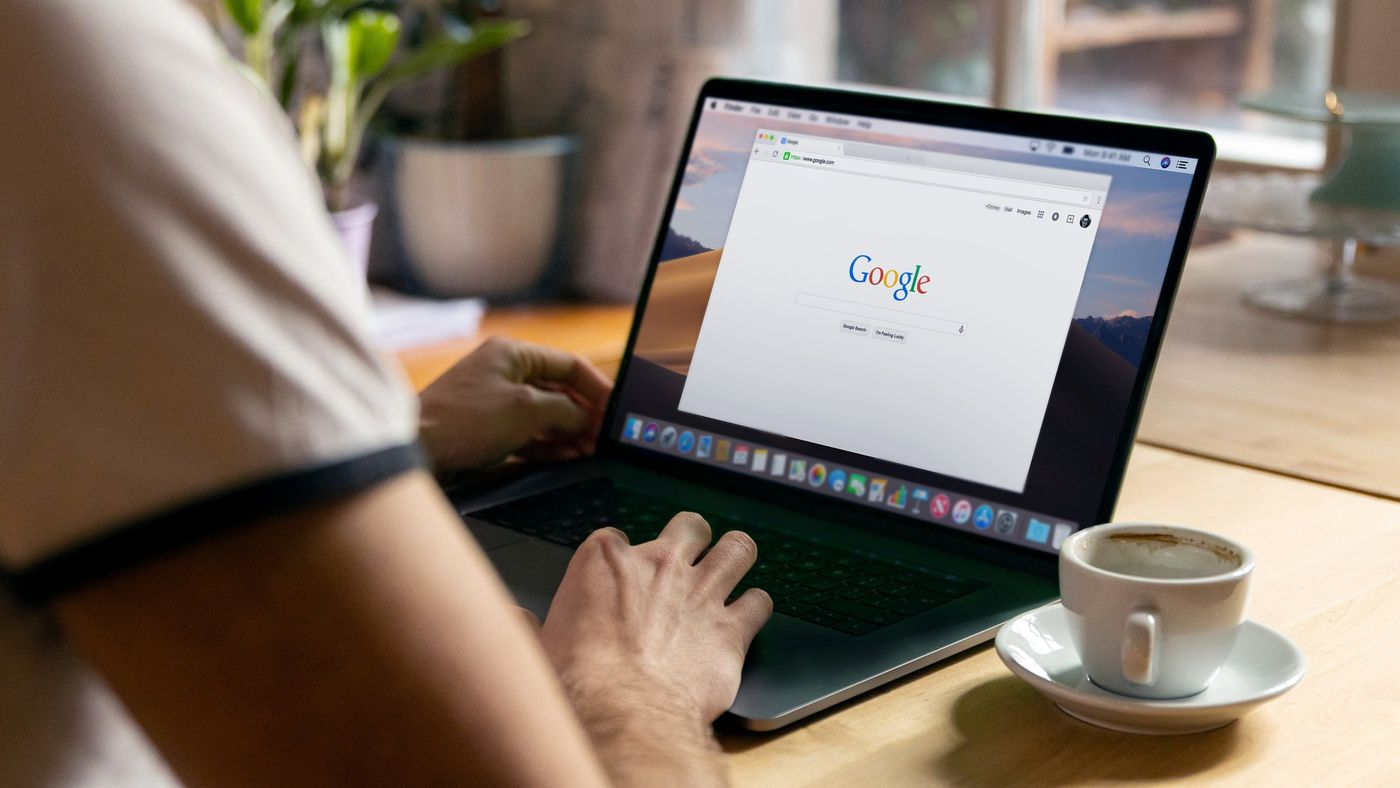 How to organize the bookmark bar in Google Chrome