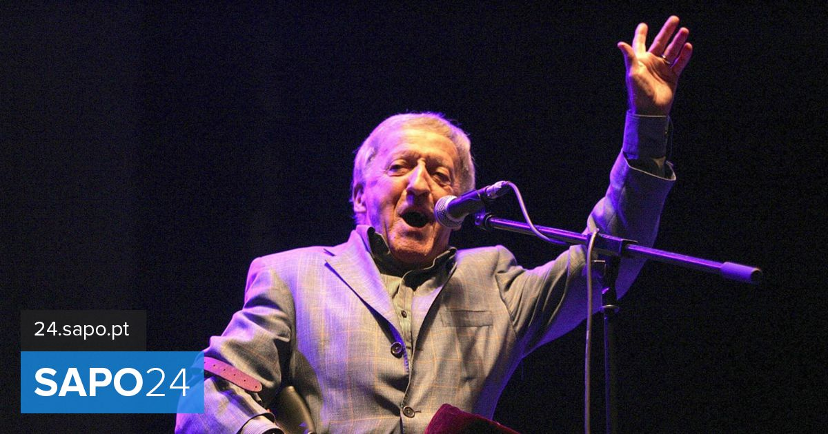 Paddy Moloney, leader of the Irish historical group The Chieftains, dies