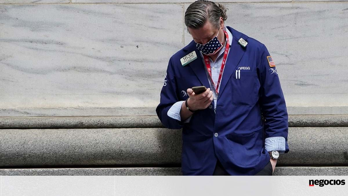 Powell Topples Wall Street Over Inflation Fears, But Dow Sets Records - Stock Exchange