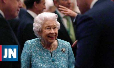 Queen Elizabeth II Refuses Elder of the Year Award